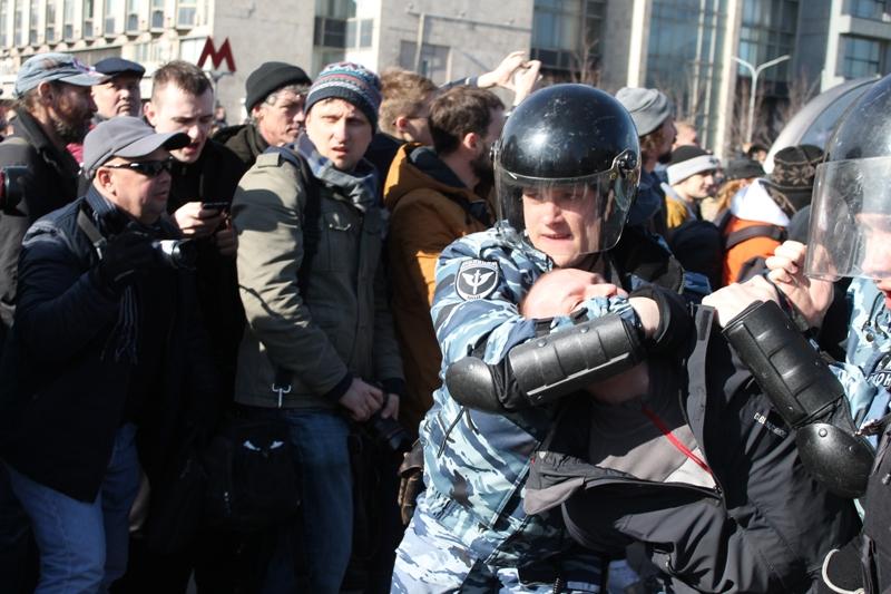 Несовершеннолетним обещали вознаграждение заучастие впротестах— пресс-секретарь российского лидера Дмитрий Песков