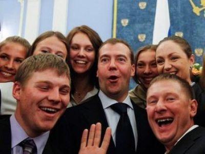 Дмитрий Медведев и студенты. фото из блога stafford-k.livejournal.com