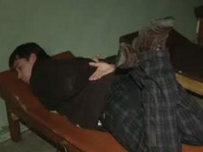 фото пытки ласточка