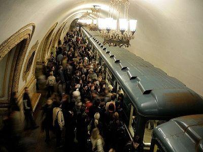 Толпы в метро москва