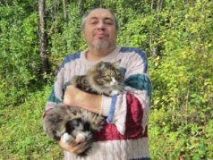 Евгений Ихлов, друг кот. Фото: Е. Ихлов