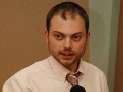 Зампред ПАРНАСа Кара-Мурза заявляет, что его вНижнем Новгороде закидали яйцами