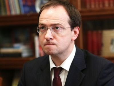Медведев изменил состав президиума ВАК накануне рассмотрения  Медведев изменил состав президиума ВАК накануне рассмотрения диссертации Мединского