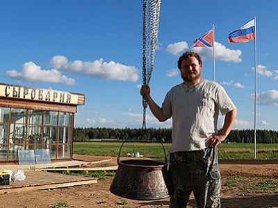 """Олег Сирота, сыроварня и флаг """"новороссии"""". Источник - kp.ru"""