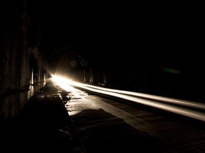 Луч света в темном царстве. Фото: artimo.livejournal.com