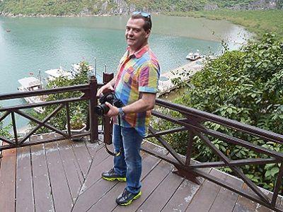 «Собеседник» узнал ополучении Медведевым 4000 газемли за40 рублей