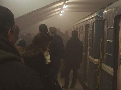 Взрыв вметро Петербурга: несколько человек погибли под колесами поезда