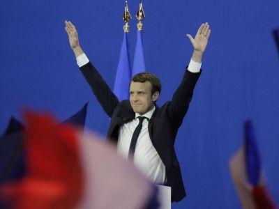 Олланд поддержал кандудатуру Макрона иназвал ЛеПен угрозой для Франции