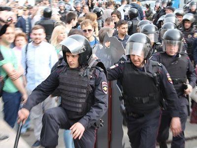 В столицеРФ  арестован бездомный дагестанец, бросивший петарду намитинге 12июня