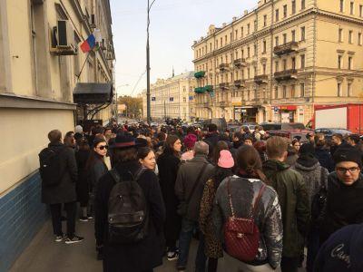 Суд продлил домашний арест Кириллу Серебренникову