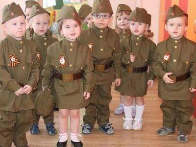 Патриоты из детского сада. Фото: Informator.news