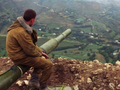 Дагестанское село на границе с Чечней, 1999 г. Фото: pikabu.ru
